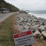 BLOCO de pedras põe fim ao risco de abalo em rodovia na região